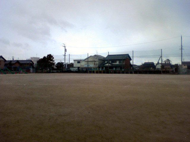 木曽川西小学校運動場