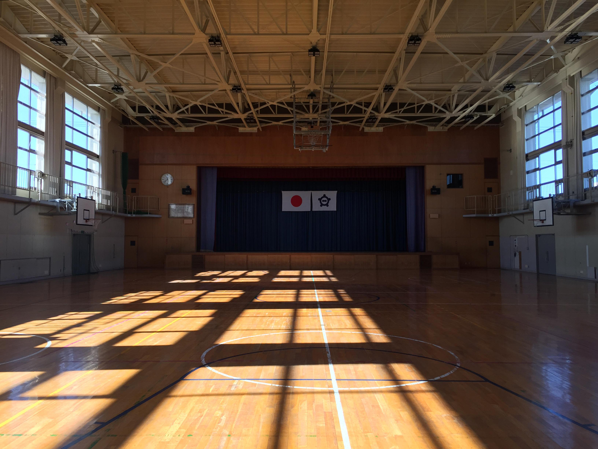 木曽川東小学校体育館